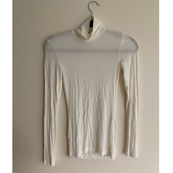 Aritzia Wilfred white roll neck top size XS